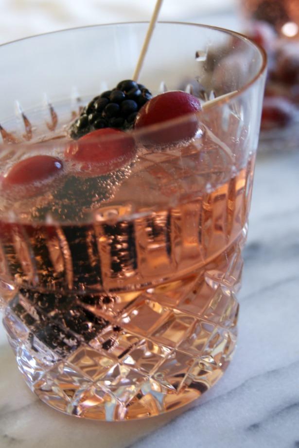 Black raspberry & ginger fizz